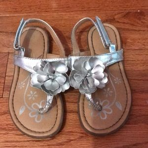 Girls silver flower sandals